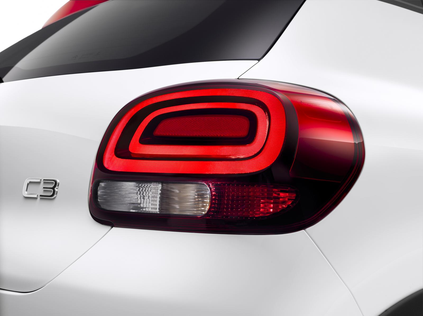 New C3 - detail brake light