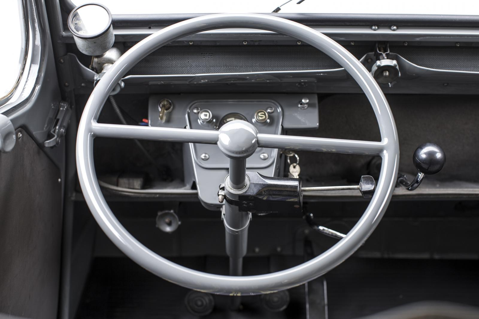 2 CV mini van steering wheel