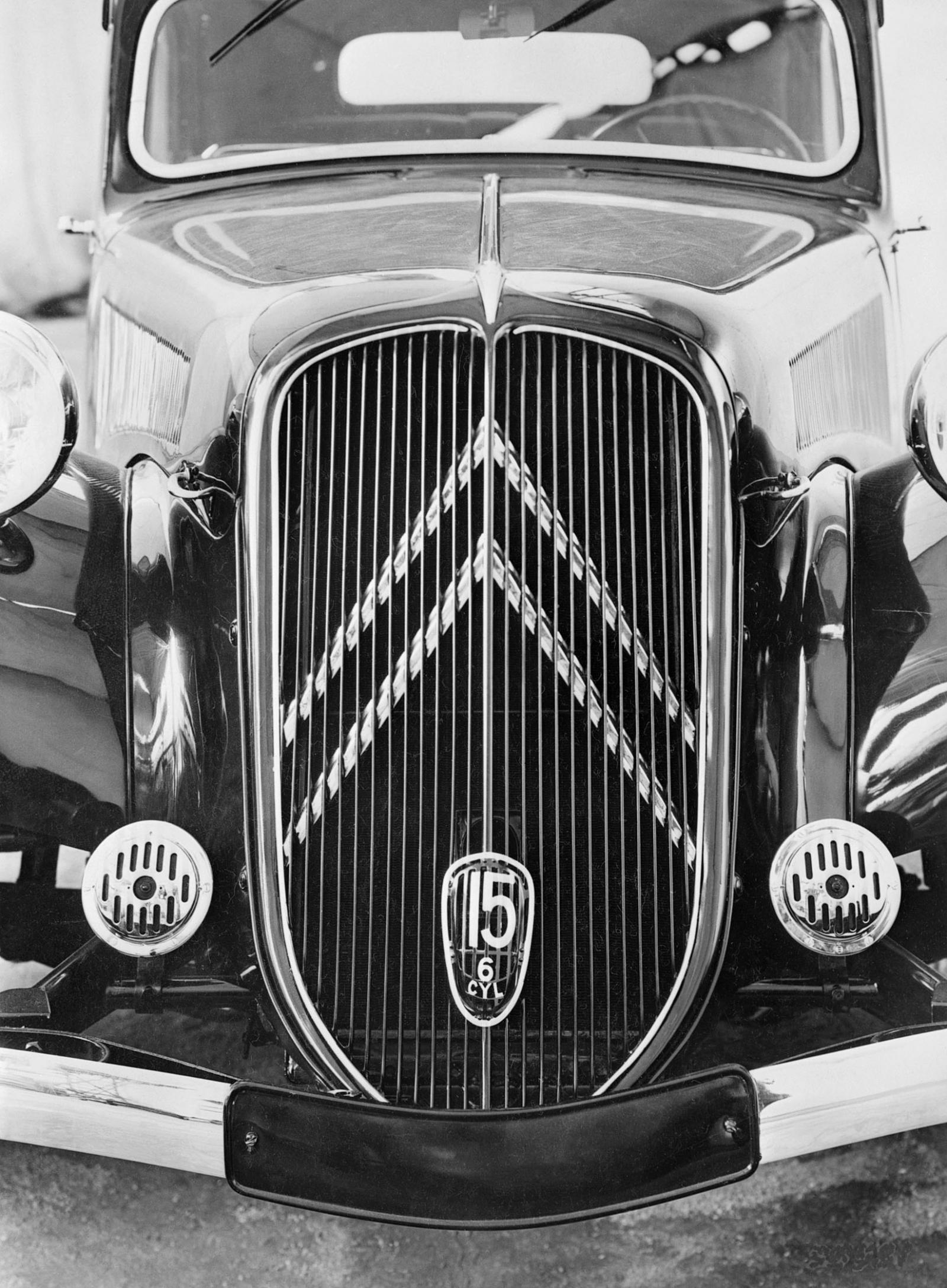 Traction 15 SIX 1938 calender