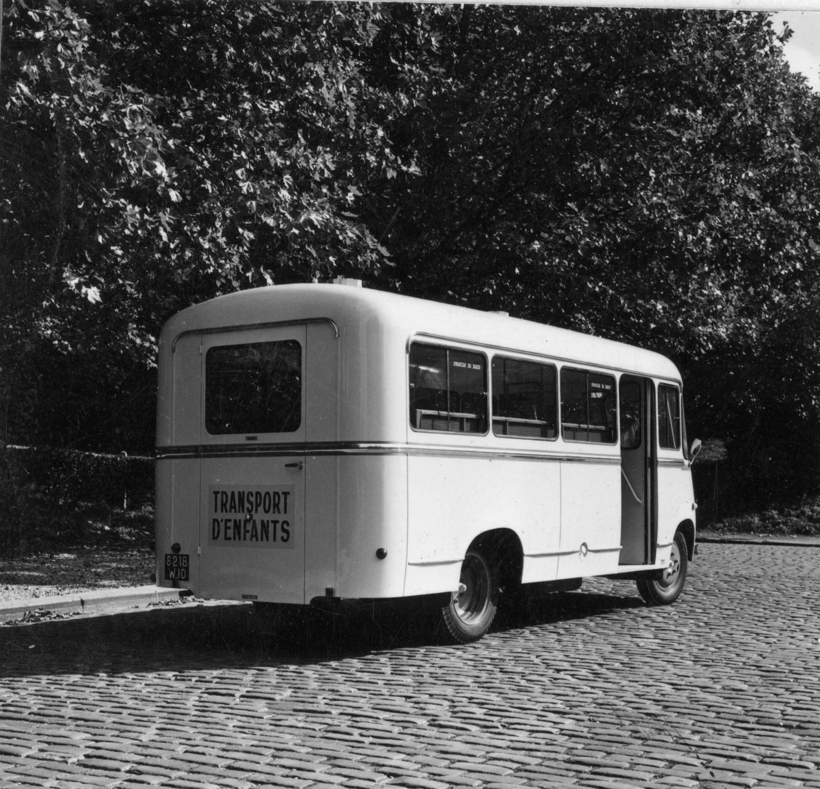 Citroën mini bus to transport children
