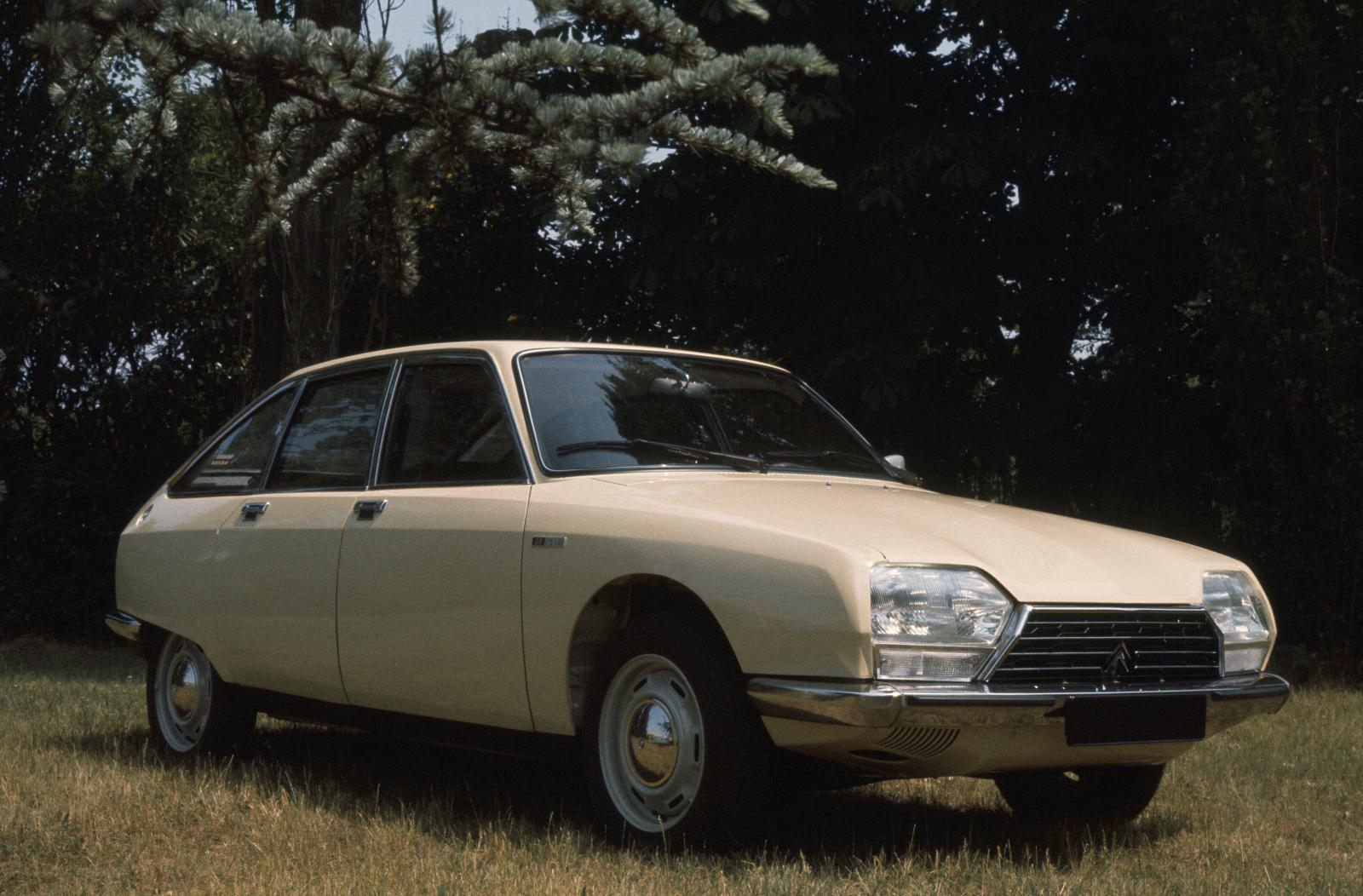 GS Club 1977 3/4 front