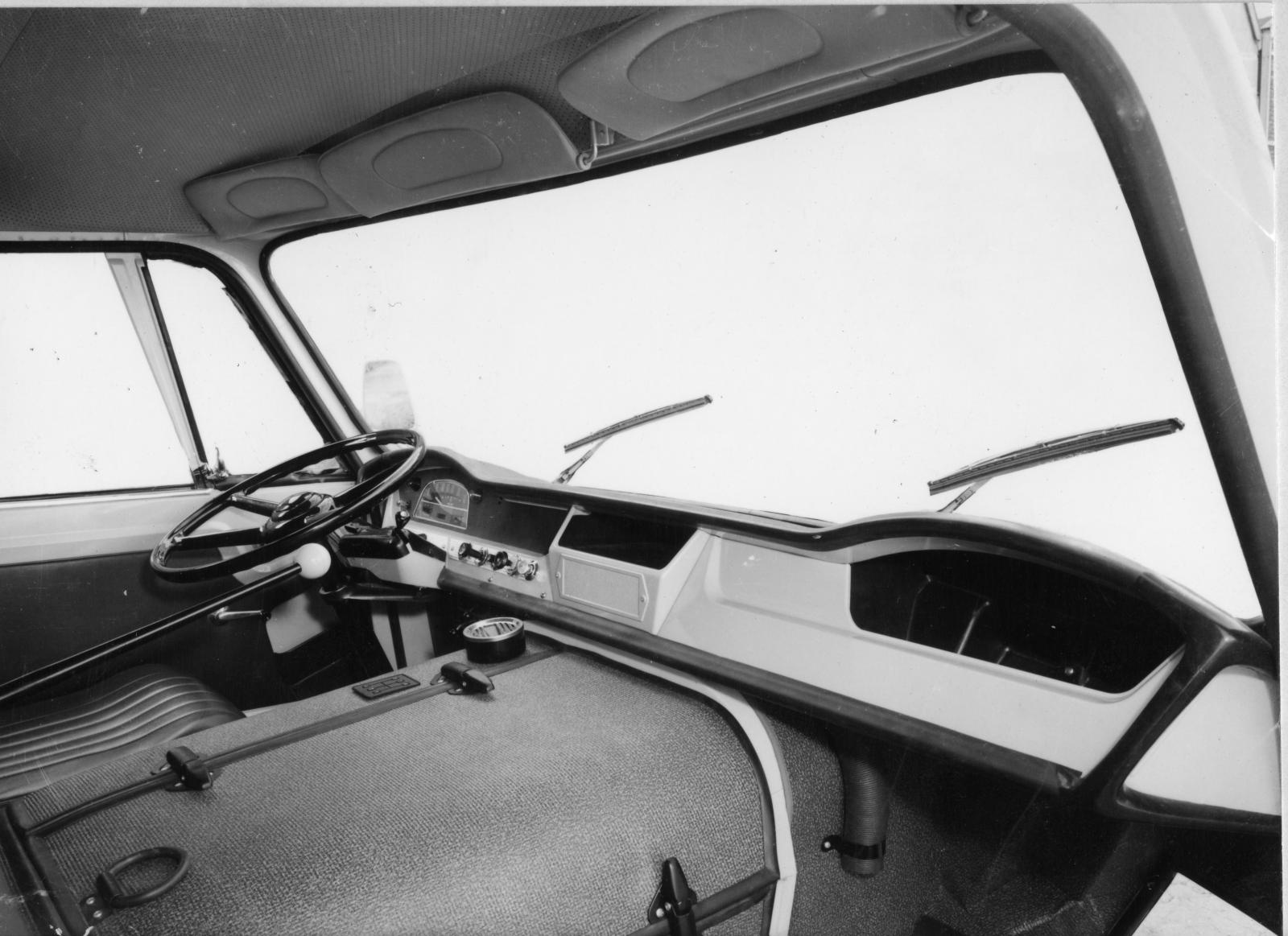 Fire engine 350 - Interior - 1965