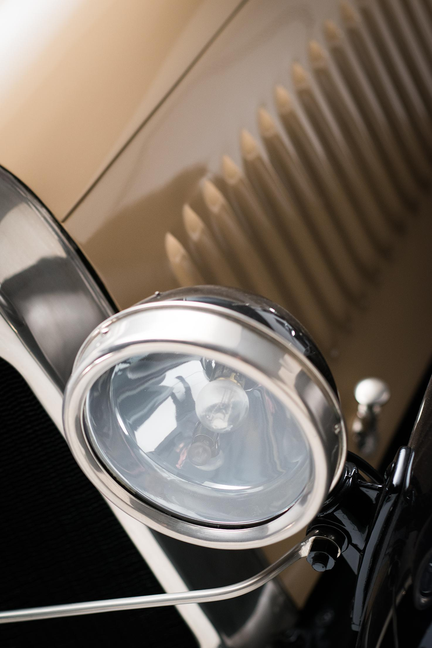 B2 Caddy - Front light