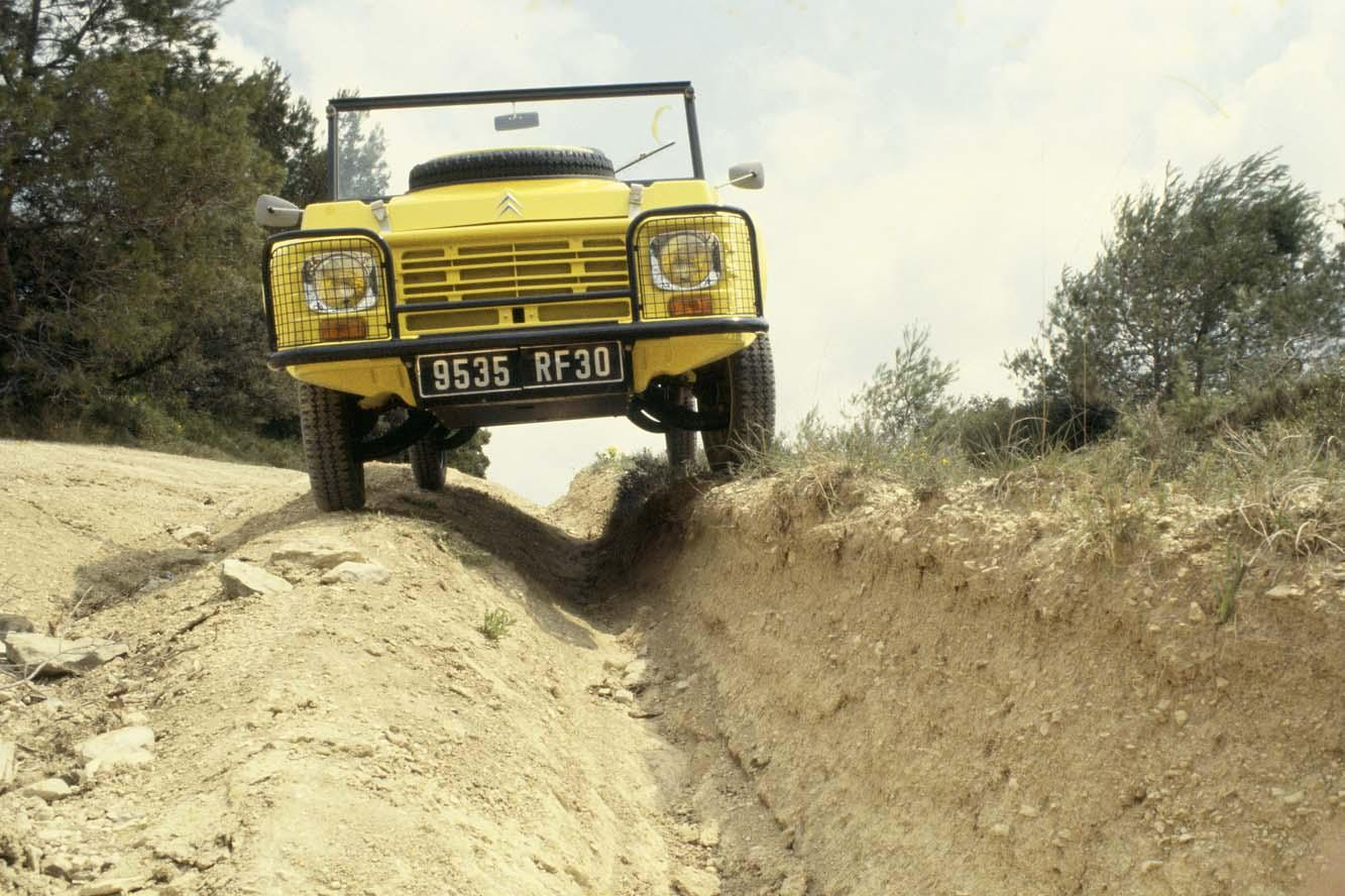 Mehari 4x4 and crossing tests