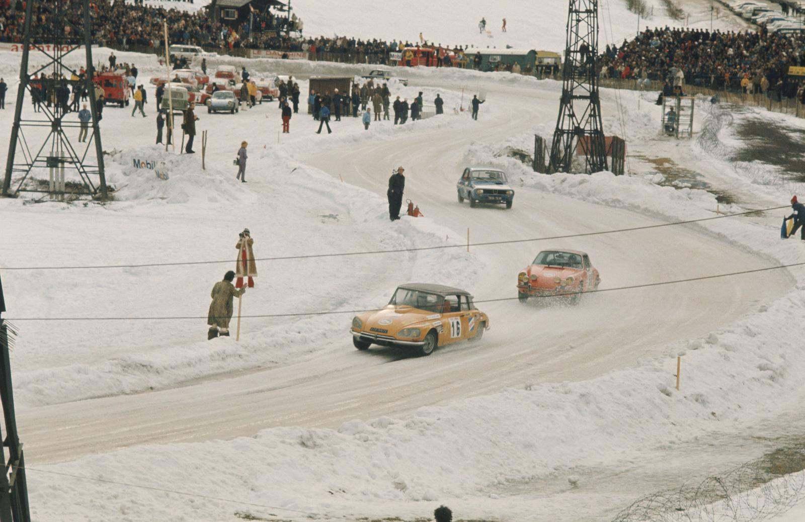 Winter round of Chamonix-DS 21 - 1972