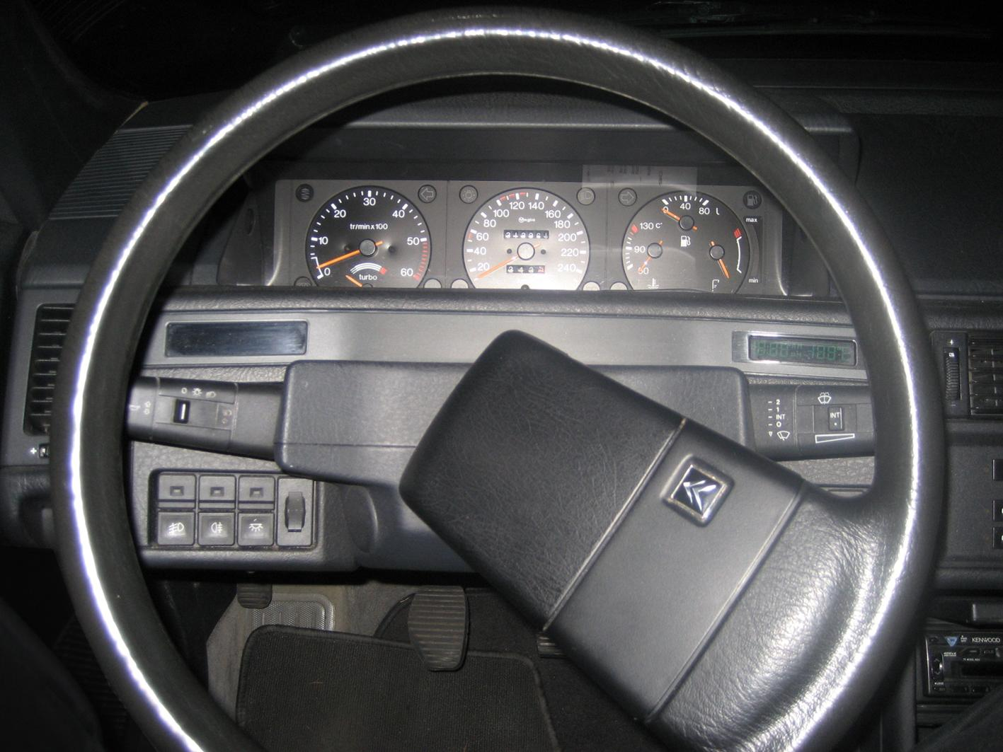 XM steering wheel & dashboard